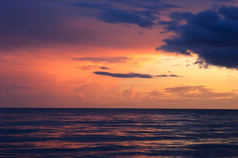Pastel sunset & clouds