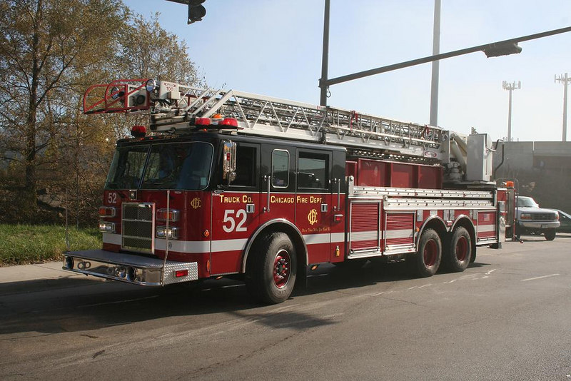 Hook & Ladder Co. 52, 2000 Pierce Dash 100'