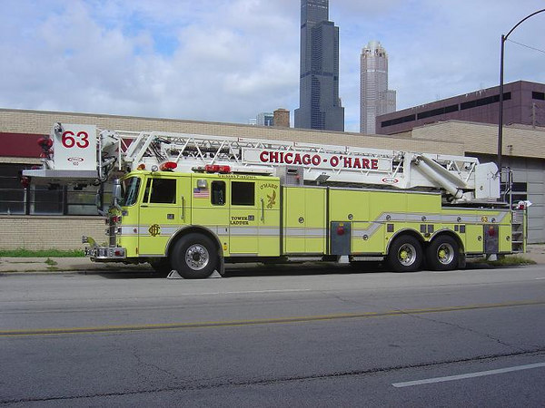 O'HARE TOWER LADDER CO. 63, 1996 PIERCE LANCE (now reserve)