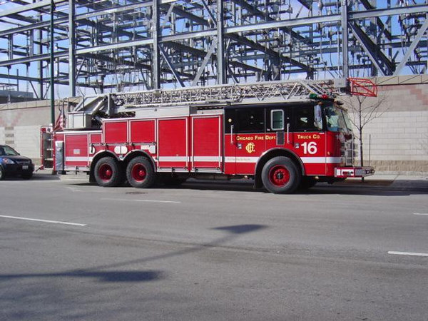 TRUCK CO. 16, 2002 PIERCE DASH 100'