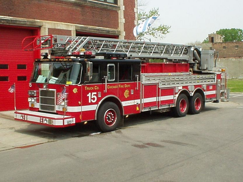 TRUCK CO. 15,  2002 PIERCE DASH 100'