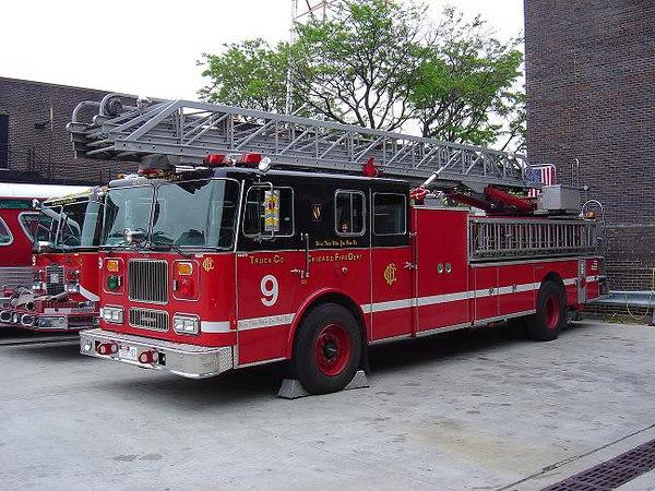 Truck Co. 9, 1996 Seagrave 100'