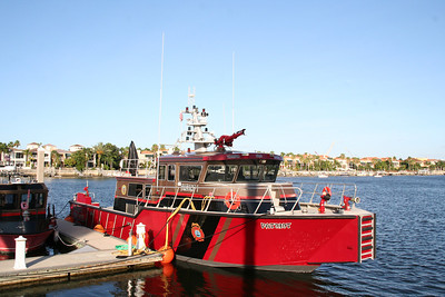 "TAMPA FIREBOAT 1 ""PATRIOT"""