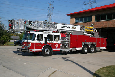 JOLIET TOWER LADDER 6