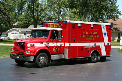 NEW LENOX AMBULANCE 1635
