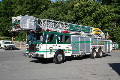 INDEPENDENCE FIRE CO, TOWER LADDER 1