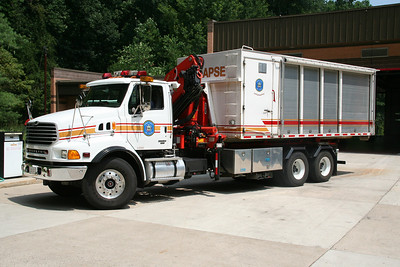 HOWARD COUNTY SPECIAL OPERATIONS COLLAPSE POD 2003 STERLING