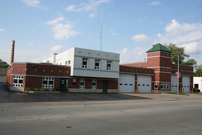 WOODSTOCK IL (MABAS DIV. 5) STATION 1 (photo taken 7/14/2010)