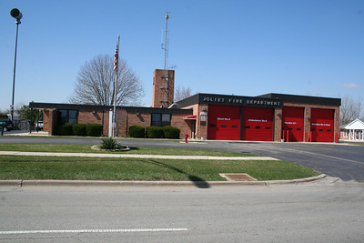JOLIET IL STATION 8 (MABAS DIV. 15) (photo taken 3/29/2010)