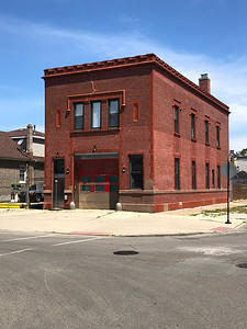 Chicago IL, Engine Co. 88 former station (closed in 2005)