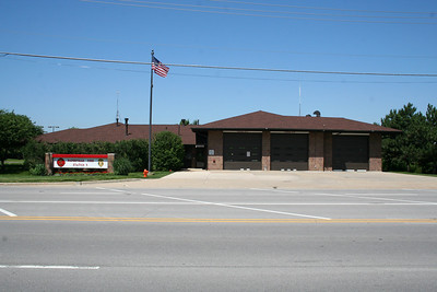 NAPERVILLE STATION 5 (photo taken 6/18/2010)