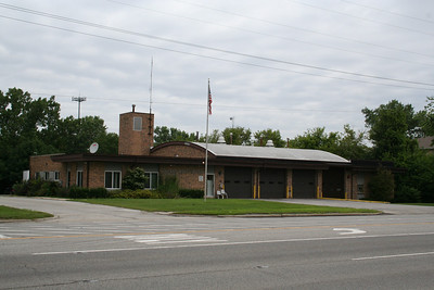 CHICAGO RIDGE STATION 2 (old house) (photo taken 7/19/2009)