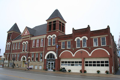 FORMER PONTIAC FIRE STATION.  NOW HOUSES THE ROUTE 66 MUSEUM