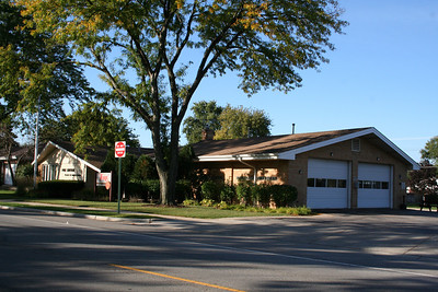 MORTON GROVE STATION 5 (photo taken 10/5/2009)