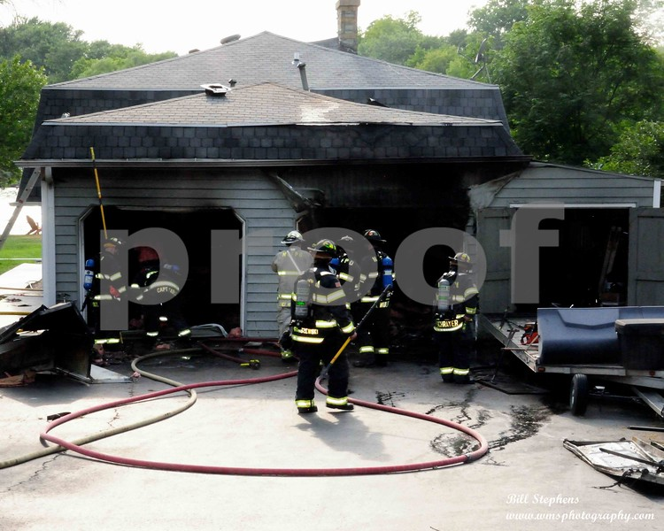 411 Mineral Spring Dr  McHenry Twp FPD o/s of a working garage fire with explosion, no entrapment, hvy fire showing  COPYRIGHT 2018 WMS PHOTOGRAPHY