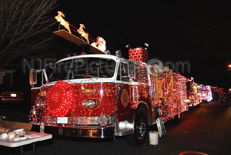 Emerson, NJ American LaFrance pumper at the Wallington Holiday Parade