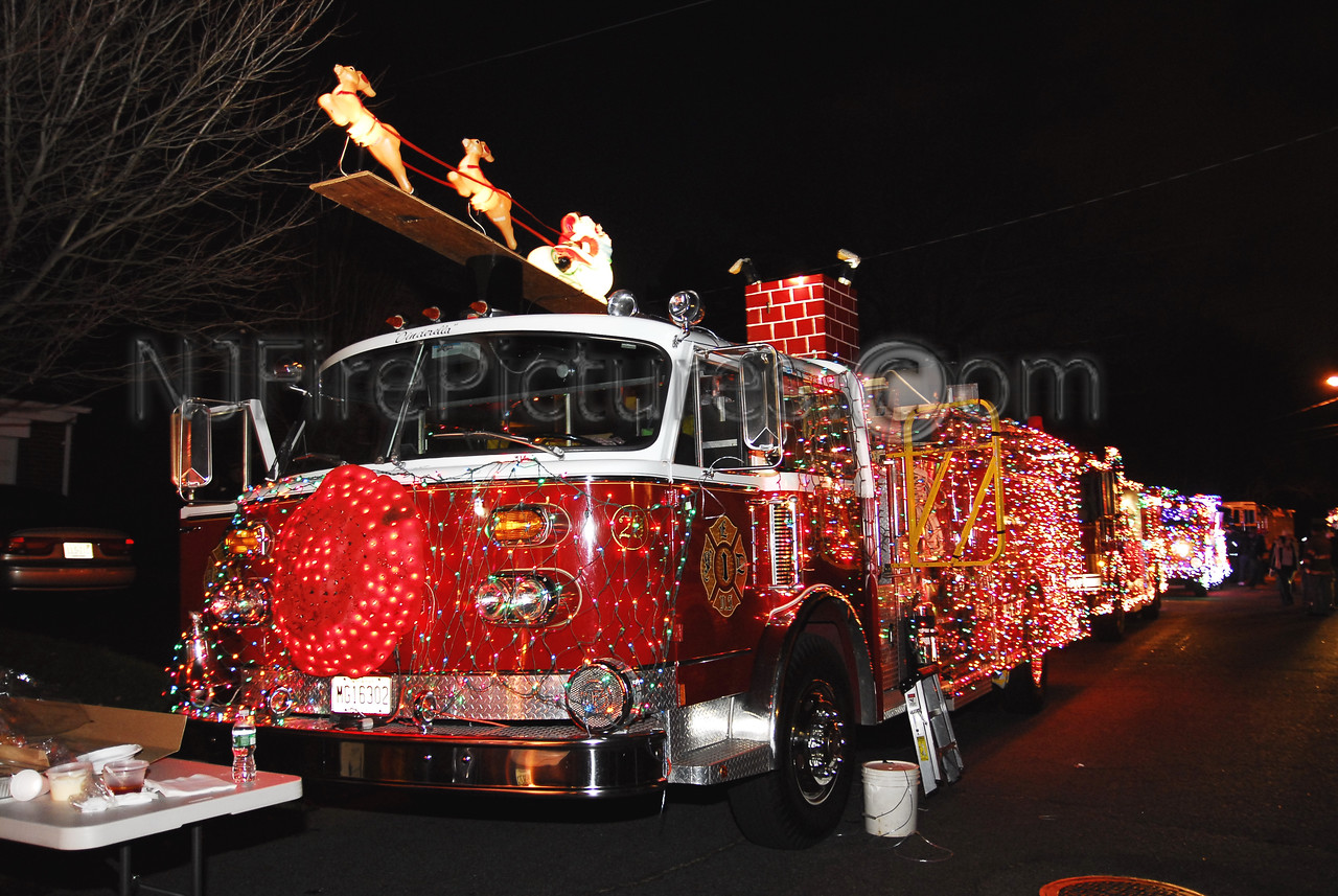 Emerson, NJ American LaFrance pumper at the Wallington Holiday Parade