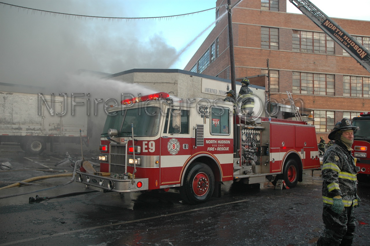 Norht Hudson Engine 9's Pierce pumper using its deck gun at a 4-Alarm fire in West New York, NJ.