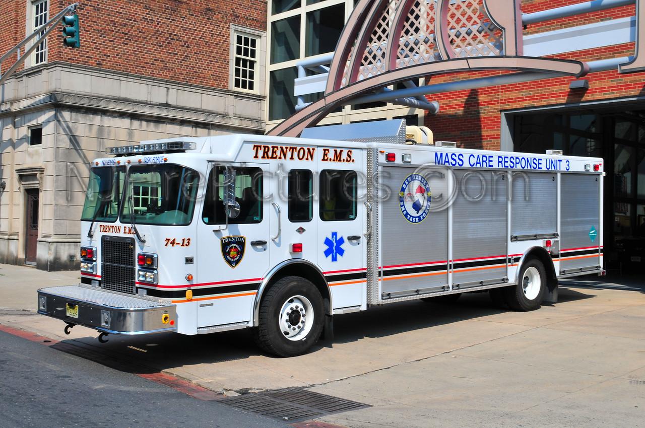 Trenton EMS MCR-3 - 2006 Spartan/Rescue 1