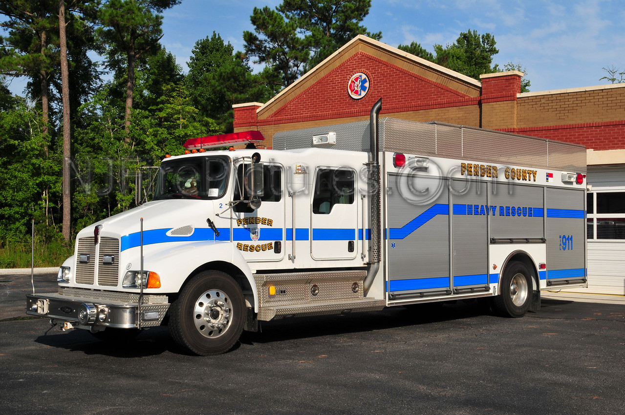 Pender County EMS-Rescue - Rescue 2 - 2004 Kenworth/Pierce