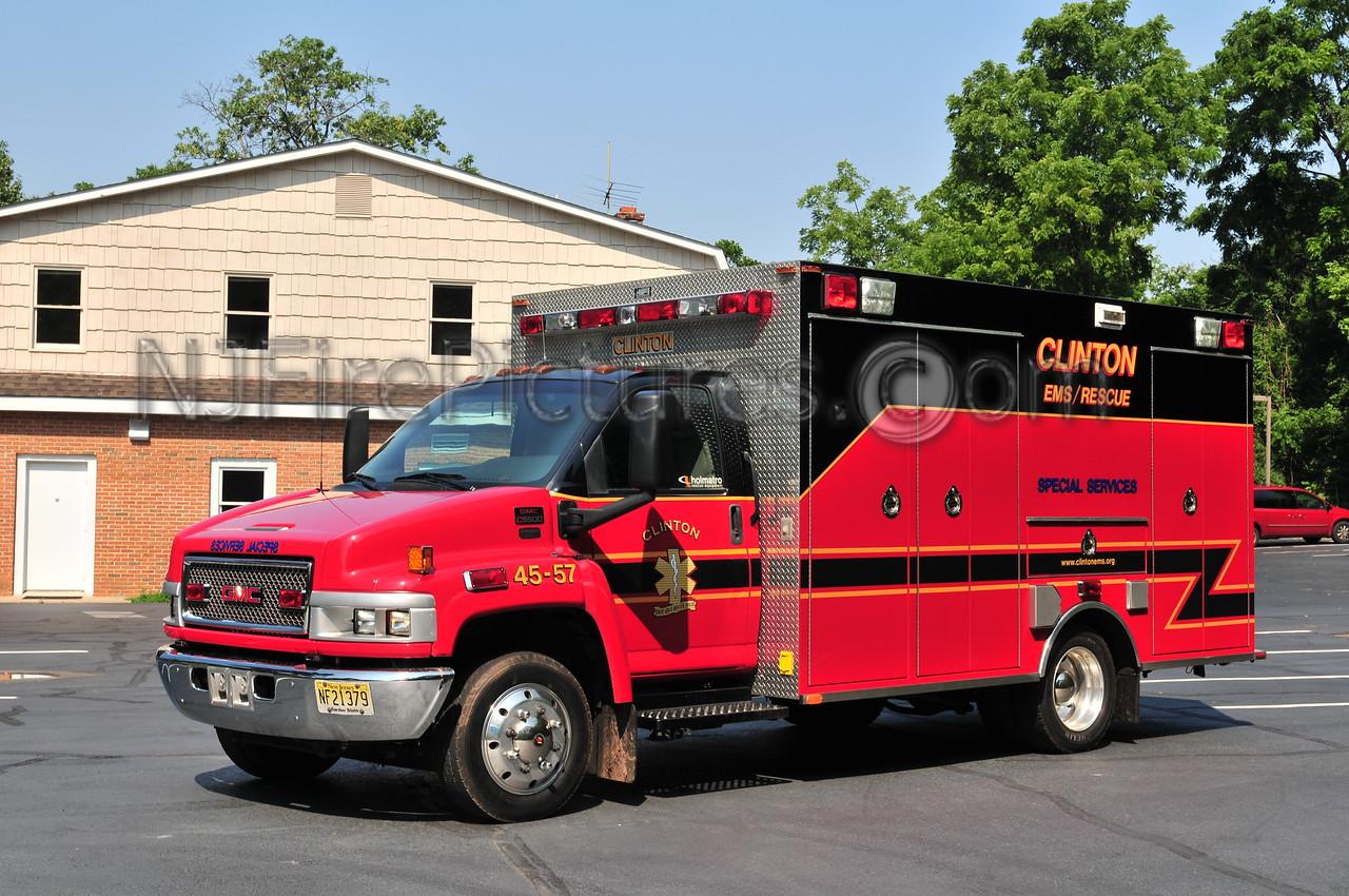 Clinton Special Service 45-57 - 2002 GMC C5500/Seagrave/Almonte