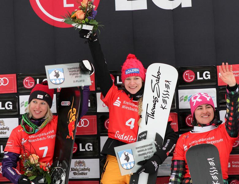 PGS World Cup Sudelfeld - Finals - Women's podium - 2nd Marion Kreiner (AUT), 1st Amelie Kober (GER), 3rd Ekaterina Tudegesheva (RUS) © FIS/Oliver Kraus