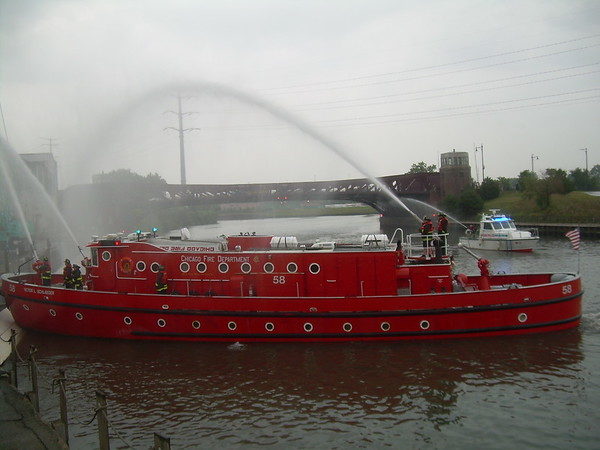 CFD 3-11 Alarm Fire 2550 S. Ashland Fire Boat Engine 58
