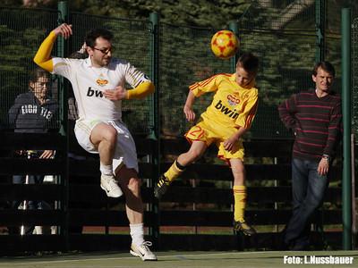 """Další fotbalové fotky: klikněte na stránce vlevo nahoře na """"ln33"""""""