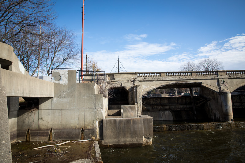 The Hamilton Dam exists downstream at the University of Michigan–Flint campus in downtown Flint. Constructed in 1920, it once also served as a pedestrian bridge, but is now in severe disrepair.