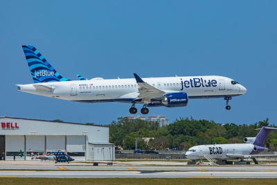 jetBlue Airways Airbus A220-300 N3008J 4-14-21