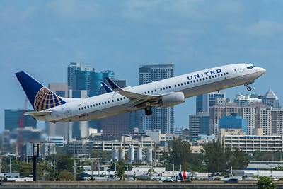 United Airlines Boeing 737-924ER N61882 4-14-21
