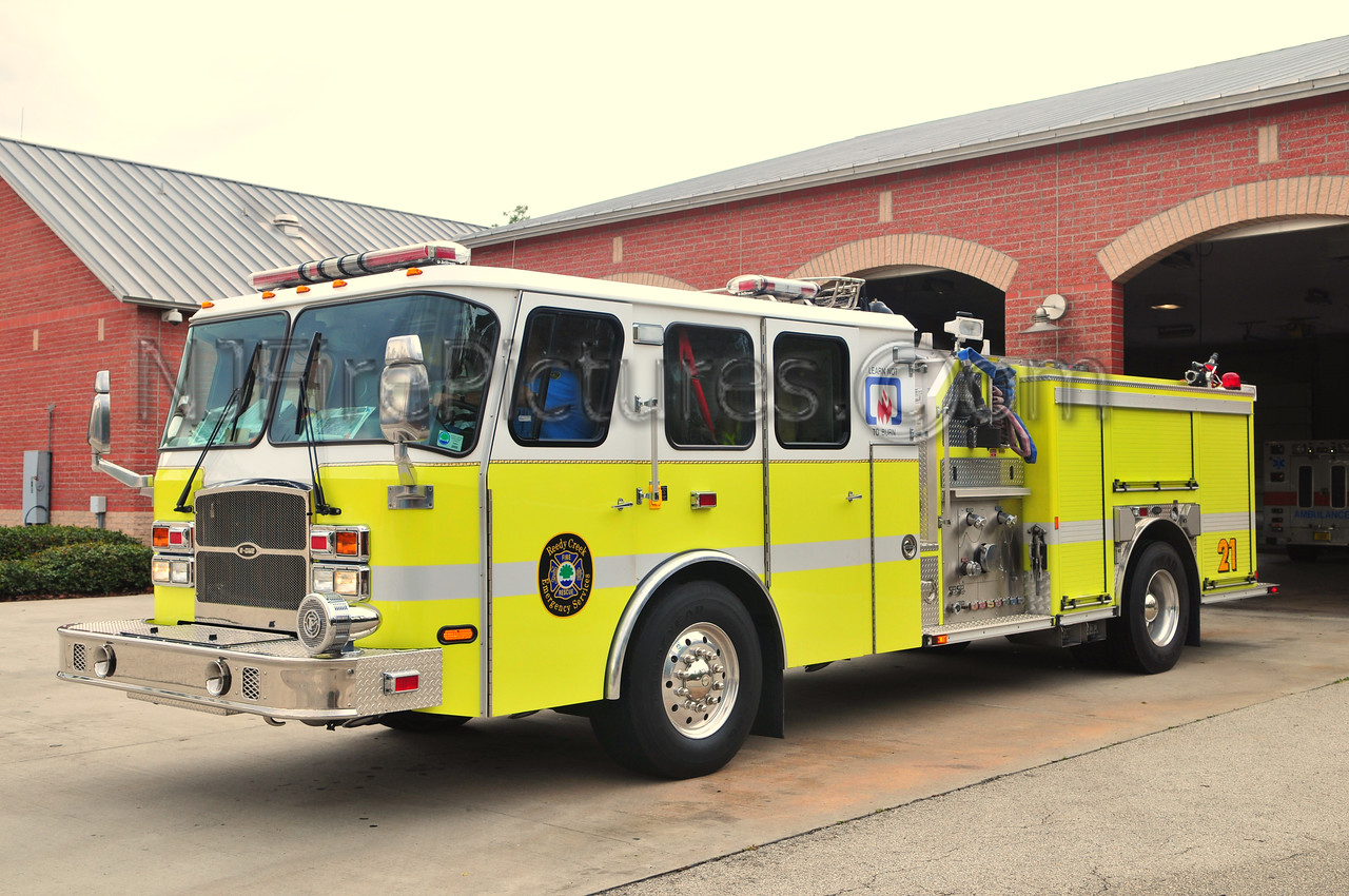 REEDY CREEK ENGINE 21 - 2004 EMERGENCY ONE 1750/500/50