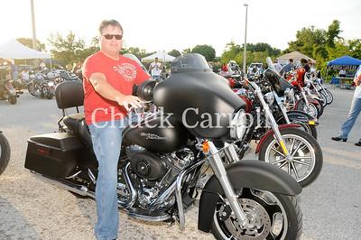 Quaker Steak & Lube & Grass Flats  - Clearwater, Florida----  Bike Night  -- July 7, 2010