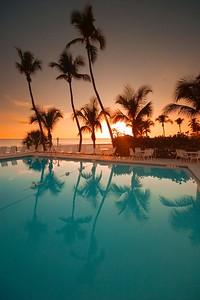 Hotel Pool Vert  784_8402