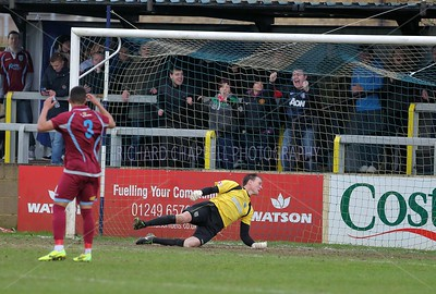 CHIPPENHAM TOWN V WEYMOUTH MATCH PICTURES 25th Jan 2014
