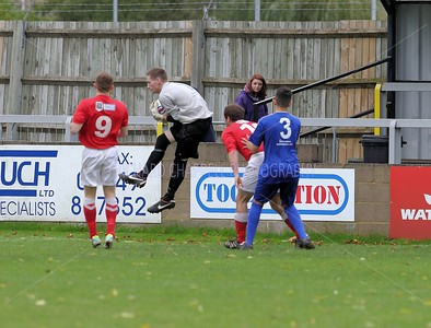 CHIPPENHAM PARK V BARNSTABLE TOWN MATCH PICTURES 26th Oct 2013