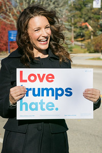 Actress Kristin Davis campaigns for Hillary Clinton at UNH in Durham Friday. Photo by Scott Patterson/Fosters.com