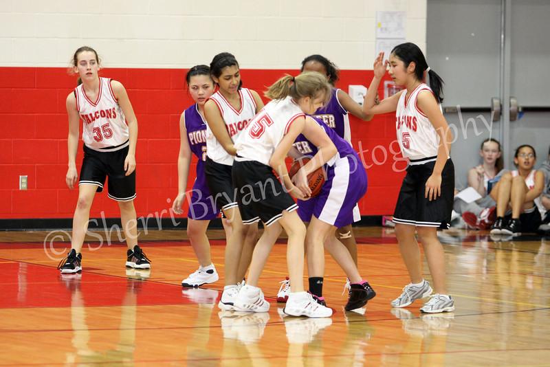 FMS Girls Basketball 012110186