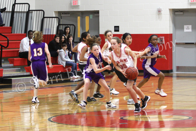 FMS Girls Basketball 012110075