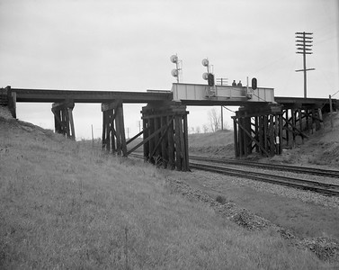 2009.026.27.0579--ritzman 4x5 neg--CB&Q--looking east at overpass--Zearing IL--1962 1118