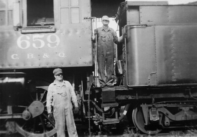 2009.026.21.0765--ritzman 4x5 COPY neg [from LP Gillum]--CB&Q--steam locomotive 4-6-0 K-2 659 with crew posing on last mixed freight trip on old FCNG--DeLong IL--1934 0823