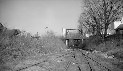2009.026.26.0024--ritzman 116 neg--CB&Q--scene of highway overpass and track looking north to Highway 88--Bradford IL--1962 1129-- 2009.026.26.0024--ritzman 116 neg--CB&Q--scene of highway overpass and track looking north to Highway 88--Bradford IL--1962 1129