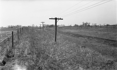 2009.026.19.8643--ritzman 116 negative--CMStP&P--view--southeast of DeKalb IL--1947 0421. Looking northwest further southeast on same curve as .8642.