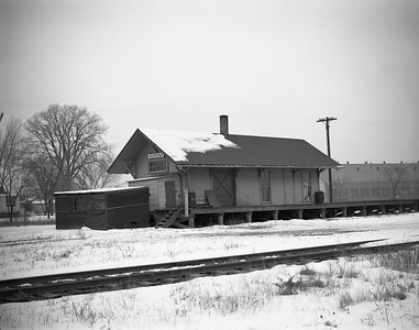 2009.026.15.8726--ritzman 4x5 negative--CMStP&P--depot--Aurora IL--1945 1223. Backside. Depot built 1906 16' x 44'.