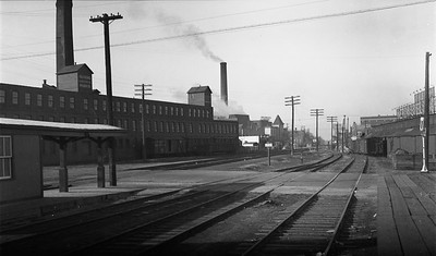 2009.026.19.11659--ritzman 116 negative--C&NW--view--DeKalb IL--1936 1129. Scene along mainline, on curve.