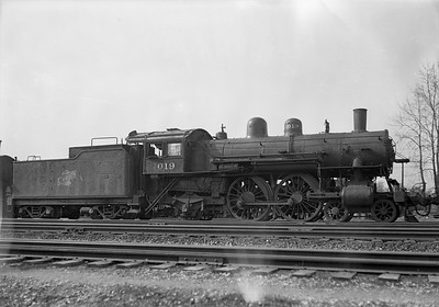 2009.026.01.12801--ritzman 5x7 negative--C&NW--steam locomotive 4-4-2 D 1019 (retired)--DeKalb IL--1939 0504