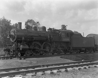 2009.026.01.10439--ritzman 4x5 negative--C&NW--steam locomotive 4-4-2 D 1098--Barrington IL--1937 0915