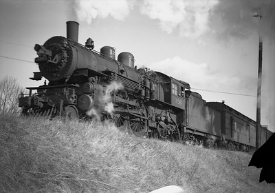 2009.026.01.12671--ritzman 5x7 negative--C&NW--steam locomotive 4-4-2 D 126--Belvidere IL--1946 0115