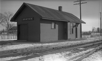 2009.026.15.11822--ritzman 116 negative--C&NW--depot--Anston WI--1954 0212. Looking east.