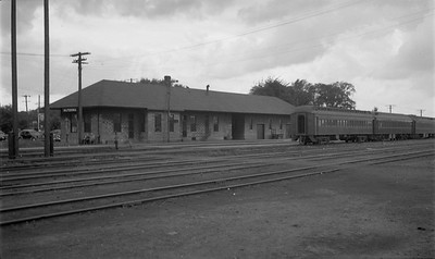 2009.026.16.12607--ritzman 116 negative--CStPM&O--depot--Altoona WI--1951 0809. Looking southwest.